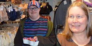 Marina Persson har drivit 90-årsjubilerande Helgas underkläder sedan 2006. Sonen Johannes Persson bjuder gärna kunderna på choklad.