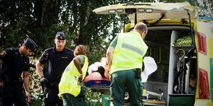 Ambulanspersonal kan ibland få åka ut till situationer som kan upplevas som hotfulla.