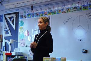 Pernilla Gesén tycker att barnen ska ta till vara på sin fantasi och aldrig sluta skapa.
