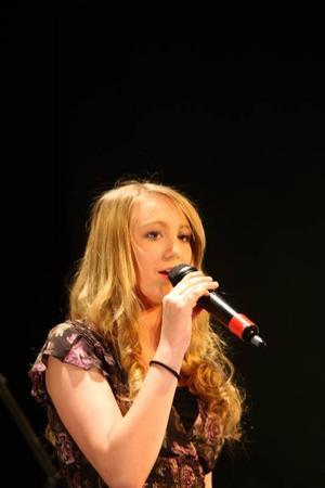 Sweet Child of Mine var Josefin Amundsons bidrag under kvällen.Foto: Håkan Degselius