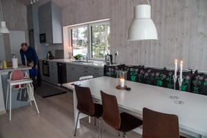 Kökets utformning var viktig för Lena och Per Callermo när de planerade sitt hus i Sörfjärden, Gnarp.