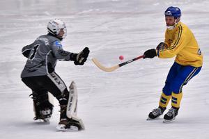 Här leker Esplund in 18–1. Foto: Björn Larsson Rosvall / TT