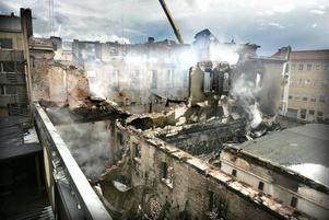 Gävle 17 maj 2005. En anlagd brand totalförstör stora delar av CH.
