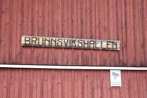 Sex grannar till Brunnsvikshallen är oroliga för ökad trafik och buller.