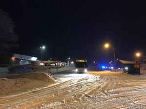 Olycka i Söråker. Centrumvägen beräknas vara avstängd till 08.30.