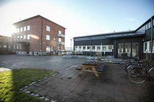 Kommunhuset i Järpen ska enligt kommunen blivit dyrare än beräknat på grund av brister i ritningarna.