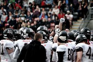 Örebro Black Knights håller nu på att kravla sig ur det ekonomiska strul de befunnit sig i.