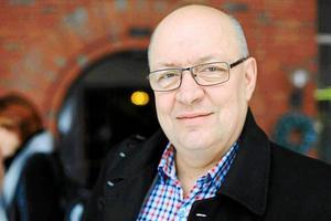 Oppositionen och oppositionsråd Ulf Berg (M) står bakom höjningen av busspriserna i länet.