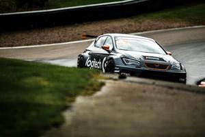 Daniel Haglöf är tvåa i STCC-mästerskapet. Han tappade ledningen efter en punktering i andra tävlingen. Foto: Daniel Ahlgren