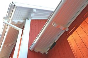 Snickeridetaljerna är viktiga. Kolla till exempel in taktassarna som utformats exakt som original-tassarna en gång sågats till för över 100 år sedan.