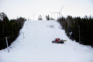 En bit in i januari beräknas Vårdkasbacken i Härnösand att öppnas för allmänheten.