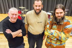 """Jan Annerborn, Olle """"Oljud"""" Åberg och Daniel Palmberg är programgrupp för den alternativa kulturfestivalen Vindöga, tillsammans med Johan Tkatjenko Sundberg."""