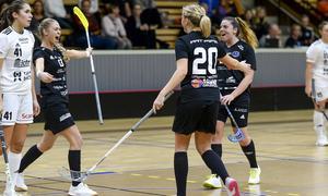 VSofie Jaska ser bollen rassla in bakom gästernas målvakt Alva Dahl och 4-1 är ett faktum. Foto: Stefan Lindgren