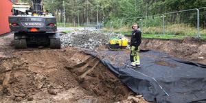 Två nya hoppgropar byggs nu vid Campushallen i Norrtälje. Foto: Campus Roslagen