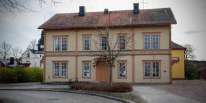 Fritidsgården Gluggen i Arboga, där insändarskribenterna framhåller att man säger nej till nedskärningen att stänga en dag i veckan.