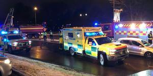 Räddningstjänst, polis och ambulans kallades till platsen.
