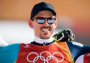 André Myhrer var strålande glad efter sitt OS-guld i slalom. Bild: Joel Marklund/Bildbyrån.