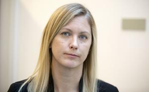 Kammaråklagare Jenny Alriksson slår ifrån sig kritiken och menar att sammanfattningen av förhöret godkändes av den hörde.