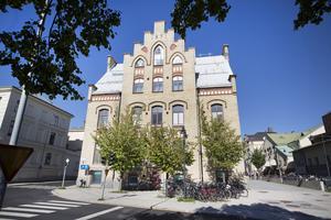 Vid en ombyggnad 1937 flyttade Stadsbiblioteket in på bottenvåningen.