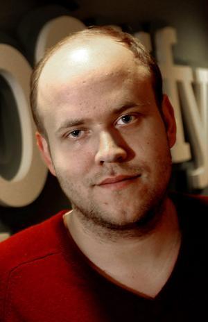 Spotifys vd Daniel Ek hoppas att lyssnarna ska vilja följa kända personer och deras musiksmak.