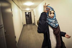 Ayat är äldst av de fyra syskonbarnen från Syrien. Hon har tagit ett stort ansvar för deras situation i det nya landet. Foto: Susanne Kvarnlöf