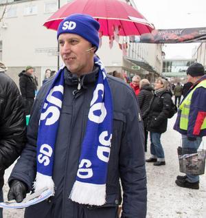 Mikael Pettersson, gruppledare för SD, meddelar att partiet tänker rösta för att Falualliansen styr i minoritet.