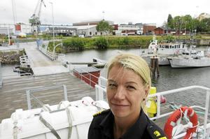 Anna-Lena Halvarsson är stationschef på Kustbevakningen i Gävle. Hon har tagit initiativet till öppet skepp nästa söndag. Välkommen ombord på Kustbevakningens båtar men även de som tillhör Sjöräddningssällskapet, Sjövärnskåren och Räddningstjänsten.