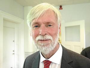 Regionrådet Tommy Berger, S, säger nej till nya vårdplatser på Sandvikens sjukhus.
