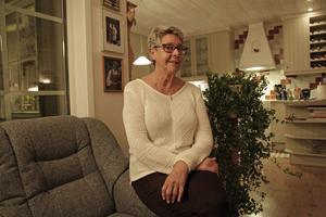 Anne MArie Wästholt har byggt sitt hus bredvid föräldrahemmet med utsikt över Ljusnan.