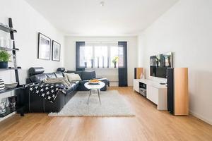 Lägenheten ligger i centrala Örnsköldsvik på Strandgatan.Bild: Svensk Fastighetsförmedling Örnsköldsvik
