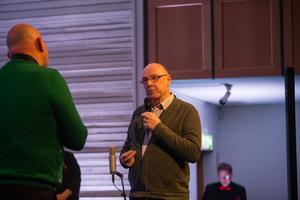 Den legendariske fritidsledaren Tomas Sjögren hade bjudits in.