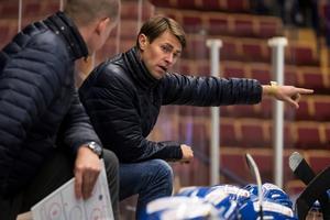 Alexander Bröms hade endast tillgång till 14 utespelare i den senaste matchen.Foto: Daniel Eriksson/Bildbyrån