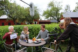Såhär såg det ut när NA besökte inspelningen av filmen Lantisar i Närkesberg.