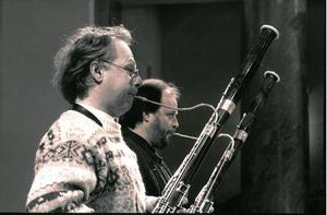 Fagottisterna Lennart Åkermark och Sigge Lindström har spelat sida vid sida genom många år. I fjol gick Sigge Lindström i pension; nu följer kompisen efter. Bild: Torbjörn Bergqvist