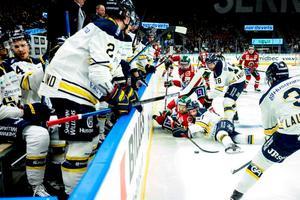 Det blir förändringar i de tre högsta serierna efter nästa säsong. Det beslutade hockeyförbundet under lördagen.