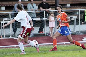 Tuffa talangen Thelma Persson satte den avgörande returen i derbyt mot Mohed, 17-åringe har gjort sju mål för sitt Bollnäs GIF på jakt efter nytt kontrakt i tvåan.