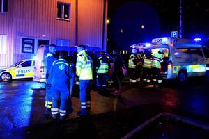 Två personer kördes till Östersunds sjukhus efter krocken vid Bio Regina.