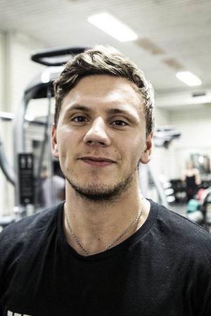 André Granlöf, 20 år, Östersund:– Jag tränar vanligtvis ungefär fem gånger i veckan. Jag tycker inte dopning är bra, väldigt väldigt onödigt. Jag har aldrig hört eller sett något, men det finns garanterat.