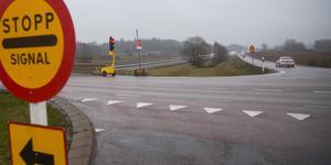 Någon gång efter nyår flyttar reparationsarbetena över till brons andra sida. Men även därefter är ett körfält är avstängt och trafiken regleras med hjälp av tillfälliga trafiksignaler.