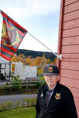 ÖFK flaggan alltid hissad hemma hos Thord.