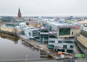 Kulturkvarteret i Örebro går mot sitt färdigställande. Gunnar Westlind ser helst att kommunens stora satsningar i närtid går till vård, skola och omsorg.
