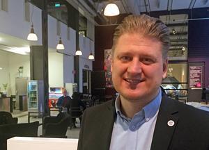 Karl Ternemo, affärsområdeschef hos fastighetsjätten Castellum i Västerås, är glad att Hedin Bil vill satsa i lokalerna på Elledningsgatan.