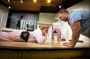 Det är fjärde gången som Iso Porovic ger regi åt Teaterspegeln.