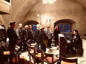 Under påskhelgen kommer Gustafs vokalensemble att spela in Jörgen Dicanders Påskoratorium. Skivan beräknas vara klar till sommaren.Foto: Daniel Larsson