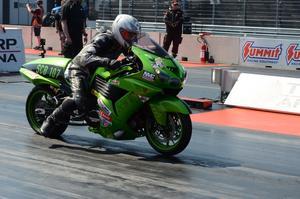 Thomas Jonsson, Korskrogen, var kvaletta i Super compbike, men körde för fort i andra rundan och var utslagen.
