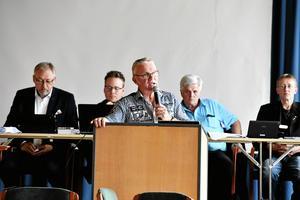 Kjell Tenn har länge ifrågasatt beslutet där man tecknade ett hyresavtal utan att först tala med kommunstyrelsen.