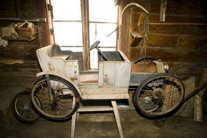 Än i dag finns stora delar kvar av den cykelbil som Valdemar Eriksson själv gjorde någon gång mellan 1915 och 1920.
