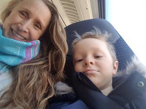Foto: Privat. Annelie Björk vill att hennes barn och barnbarn ska kunna känna sig trygga när de vistas ute på vägarna i Norrbo.