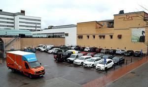 Ytan används idag som parkeringsplats. Detaljplanen gör det möjligt att bygga två hus. Bland annat Borlänges högsta.