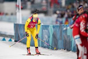 Mona Brorsson efter sin förstasträcka i tisdagens mixedstafett. Bild: Carl Sandin/Bildbyrån.